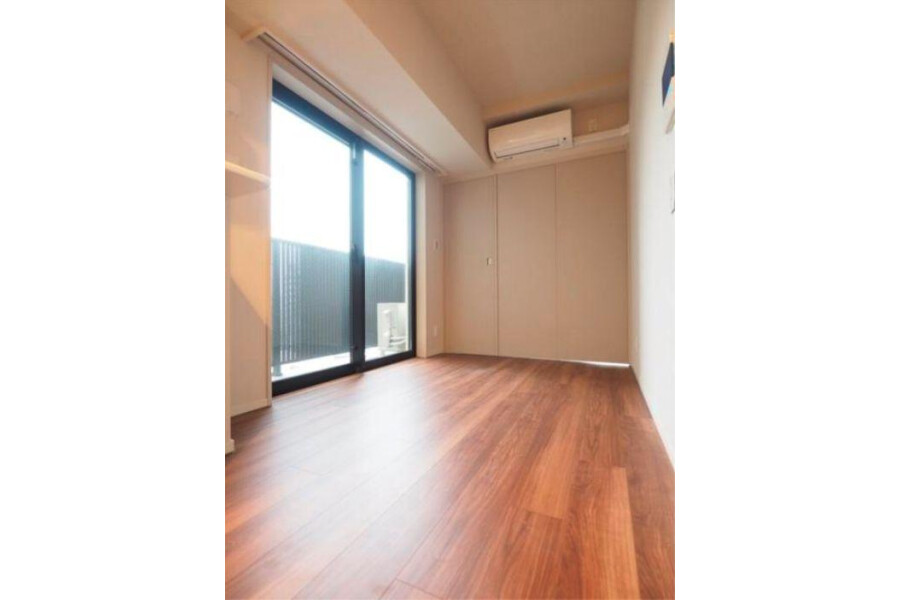 1DK Apartment to Rent in Meguro-ku Living Room