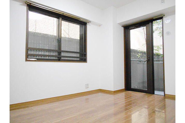 2SLDK Apartment to Buy in Yokohama-shi Kohoku-ku Interior