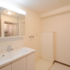 3LDK Apartment to Rent in Chuo-ku Washroom