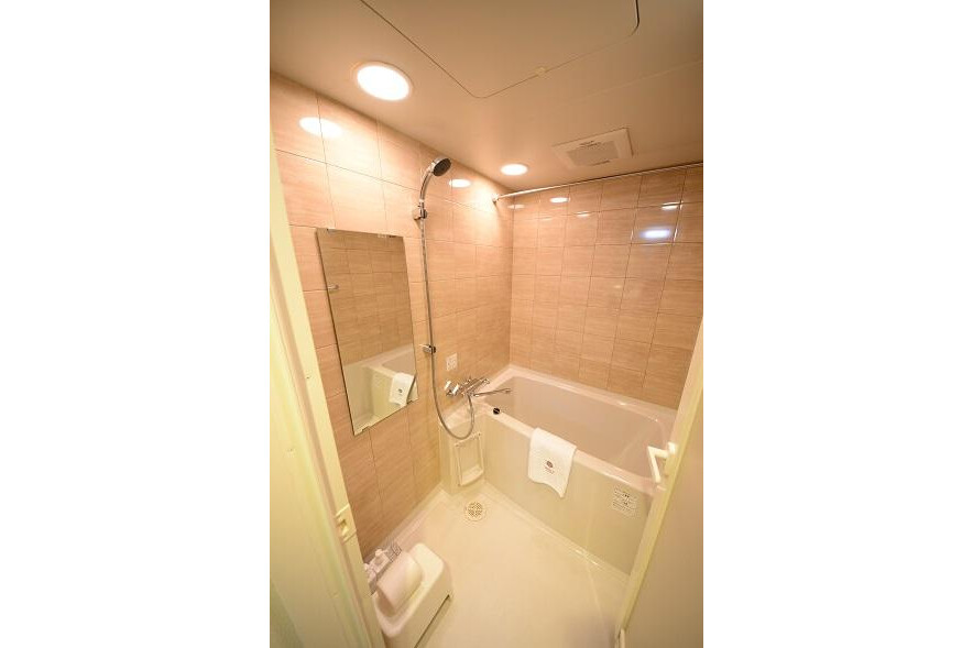 1R Serviced Apartment to Rent in Minato-ku Bathroom