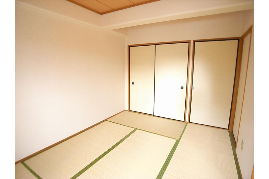 2LDK Apartment to Rent in Sagamihara-shi Minami-ku Bedroom
