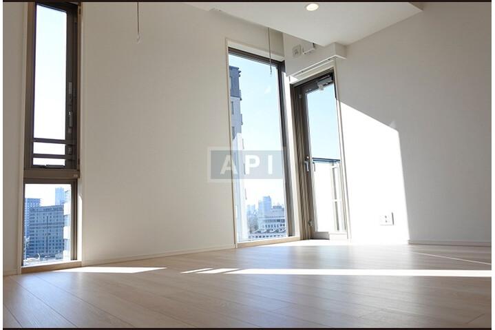 2LDK Apartment to Buy in Chiyoda-ku Interior