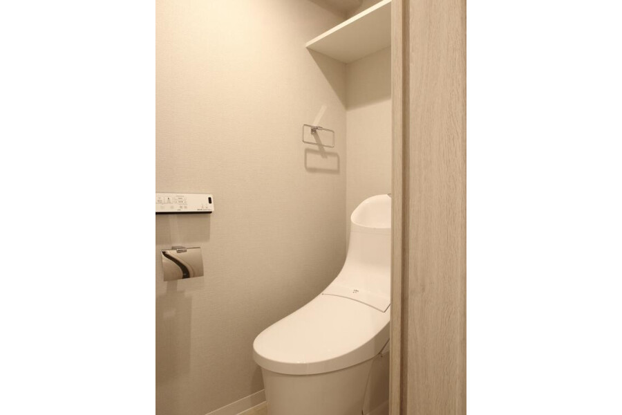 1SDK Apartment to Buy in Shibuya-ku Toilet