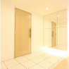 3LDK Apartment to Rent in Minato-ku Entrance