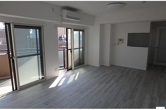 2LDK Apartment to Buy in Arakawa-ku Living Room