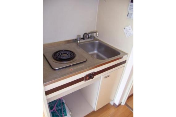 1DK Apartment to Rent in Minato-ku Kitchen