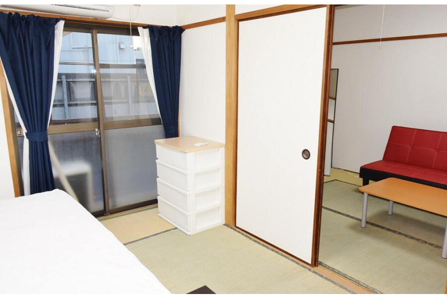 2DK Apartment to Rent in Osaka-shi Higashisumiyoshi-ku Bedroom
