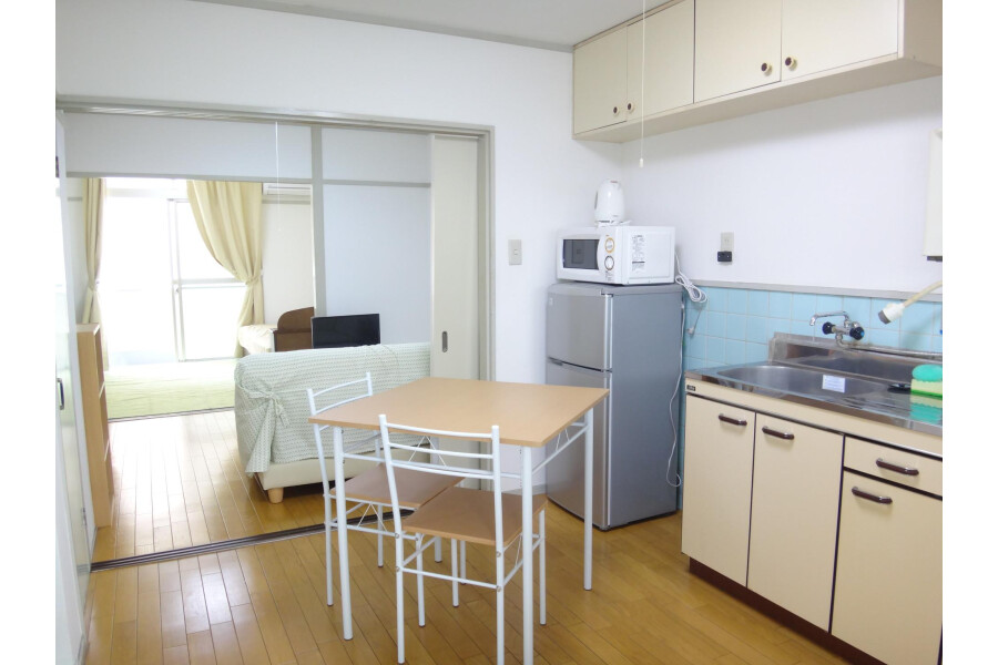 2DK Apartment to Rent in Osaka-shi Tennoji-ku Kitchen