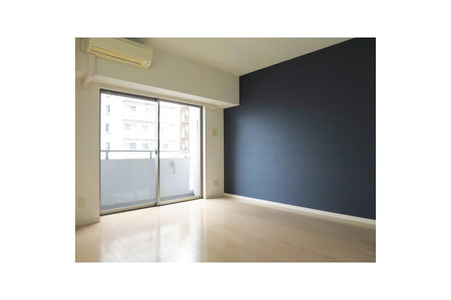 1R Apartment to Rent in Arakawa-ku Living Room