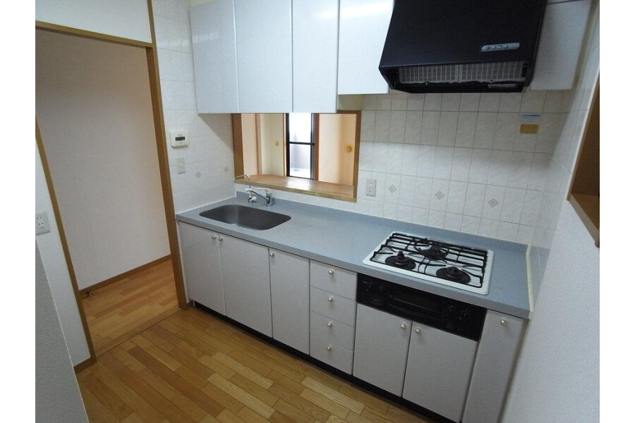 2SLDK Apartment to Rent in Yokohama-shi Naka-ku Interior
