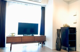 2LDK Apartment in Kandanishikicho - Chiyoda-ku
