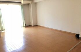 3LDK Apartment in Kitanocho - Kobe-shi Chuo-ku
