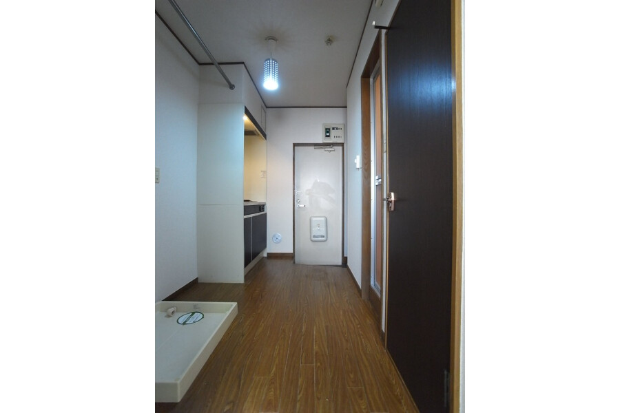 1K Apartment to Rent in Shinjuku-ku Interior