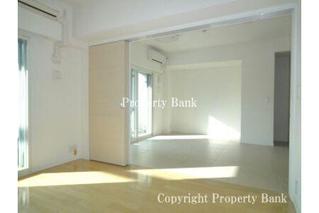 1LDK Apartment to Buy in Minato-ku Bedroom