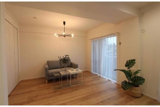2LDK Apartment to Buy in Ota-ku Living Room