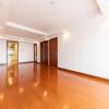 2SLDK Apartment to Buy in Chiyoda-ku Interior
