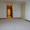 2LDK Apartment to Rent in Minato-ku Bedroom