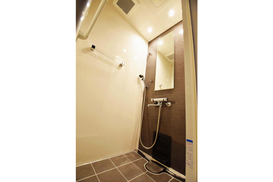 1DK Serviced Apartment to Rent in Shibuya-ku Bathroom