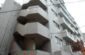 3DK Apartment in Kitashinjuku - Shinjuku-ku