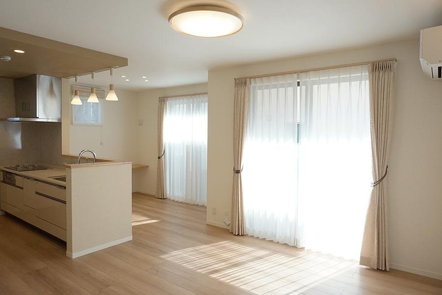 3SLDK House to Buy in Kodaira-shi Living Room