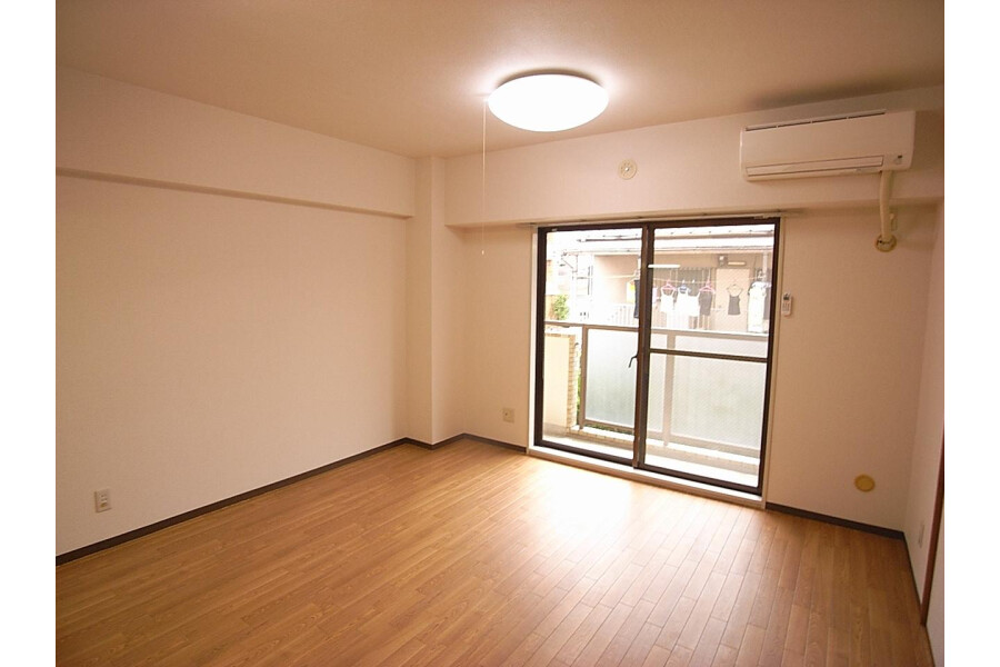 2LDK Apartment to Rent in Setagaya-ku Bedroom