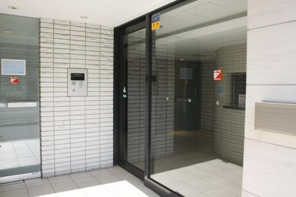1K Apartment to Buy in Kyoto-shi Kamigyo-ku Entrance Hall