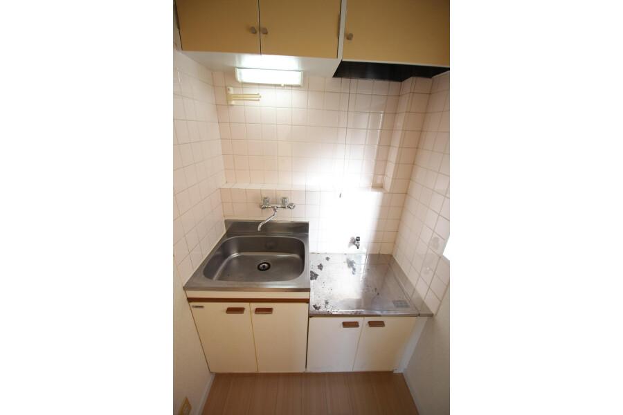 2K Apartment to Rent in Toshima-ku Kitchen