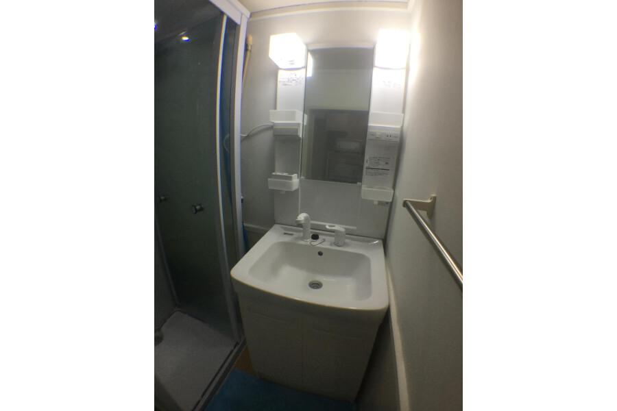 1DK Apartment to Rent in Yokohama-shi Nishi-ku Washroom