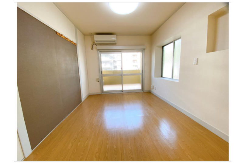2DK Apartment to Rent in Minato-ku Living Room