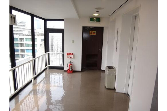 1R Apartment to Rent in Osaka-shi Chuo-ku Common Area