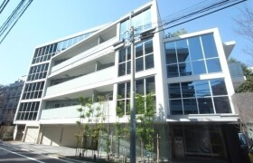 港区 六本木 2LDK {building type}