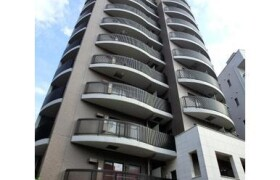 2DK Apartment in Yamabukicho - Shinjuku-ku