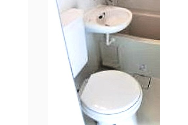 1DK Apartment to Rent in Suginami-ku Toilet