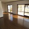 6SLDK Apartment to Rent in Matsubara-shi Living Room