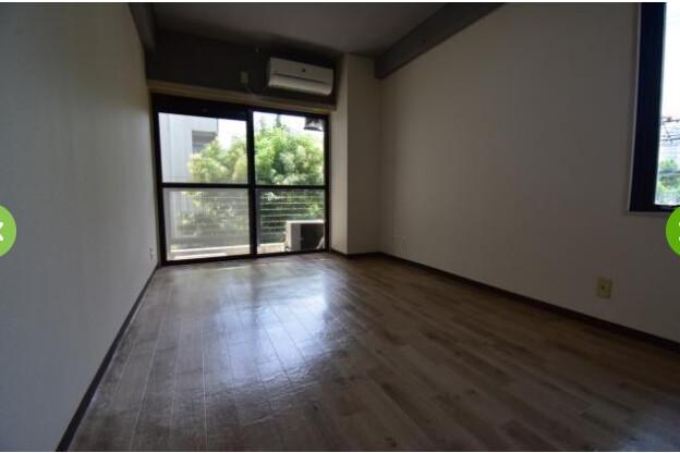 1R Apartment to Rent in Osaka-shi Kita-ku Living Room