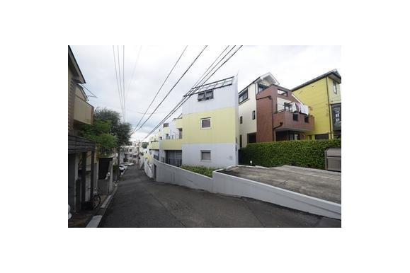 1DK Apartment to Rent in Yokohama-shi Kanagawa-ku Exterior