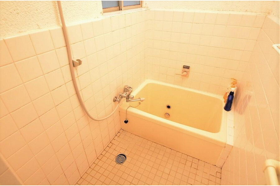 3DK House to Buy in Osaka-shi Higashiyodogawa-ku Bathroom