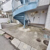 2LDK Apartment to Rent in Kashiwa-shi Building Entrance
