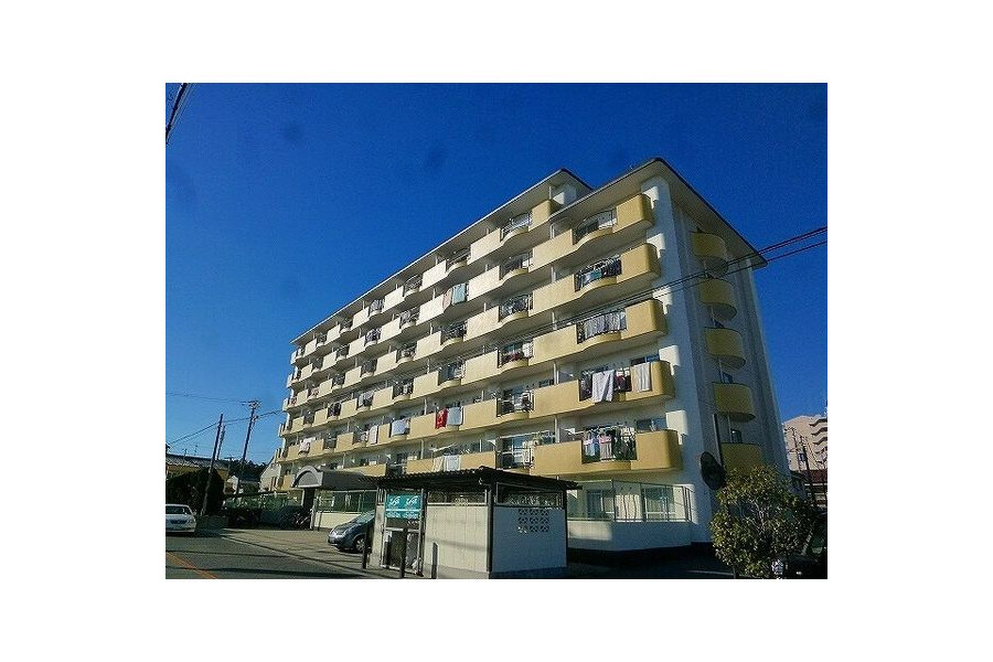 3LDK Apartment to Rent in Habikino-shi Exterior