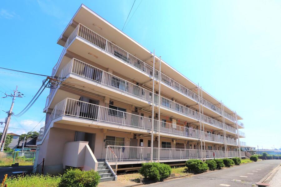 2K Apartment to Rent in Kinokawa-shi Exterior