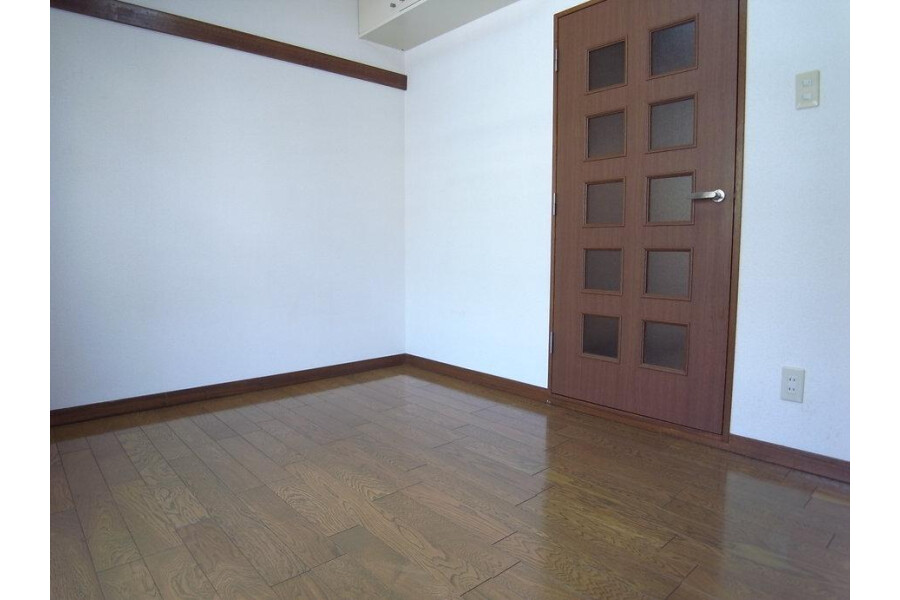 1K Apartment to Rent in Kawasaki-shi Kawasaki-ku Exterior