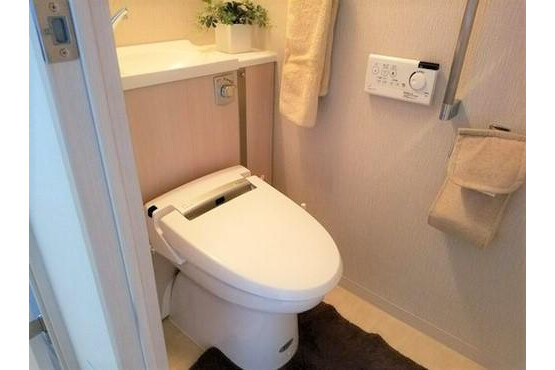 2LDK Apartment to Buy in Otsu-shi Toilet