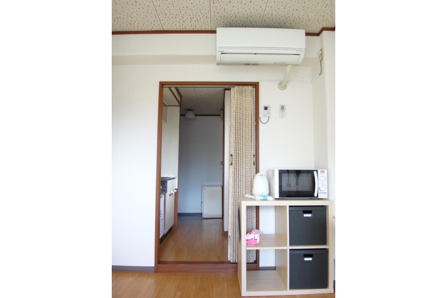 1K Apartment to Rent in Osaka-shi Miyakojima-ku Entrance