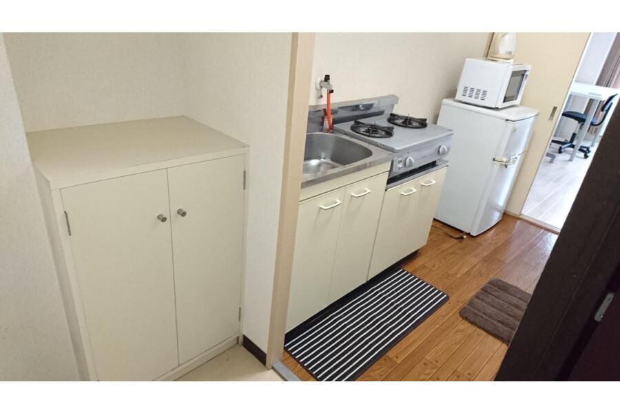 1K Apartment to Rent in Ibaraki-shi Entrance