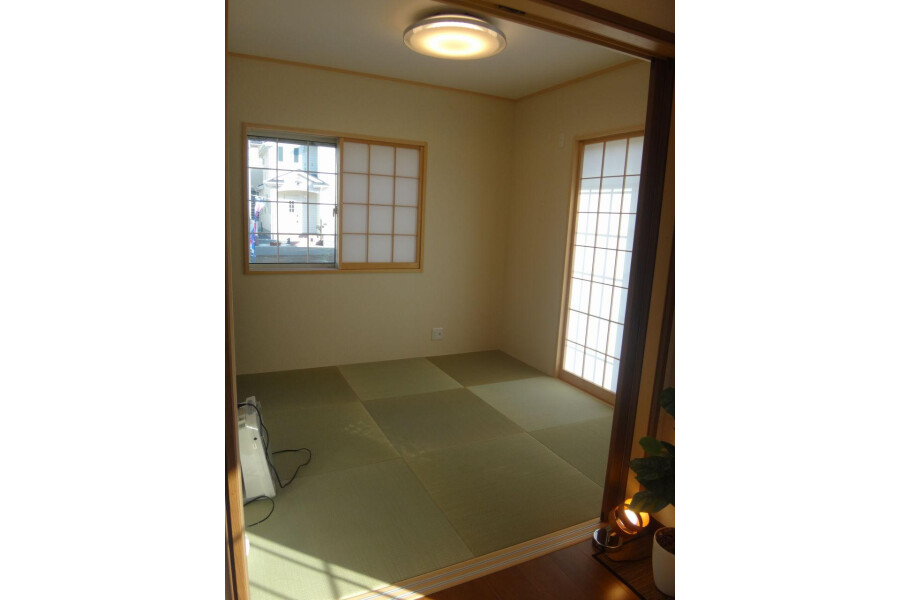 4LDK House to Buy in Inzai-shi Living Room