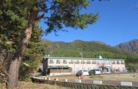 Whole Building {building type} in Oishi - Minamitsuru-gun Fujikawaguchiko-machi