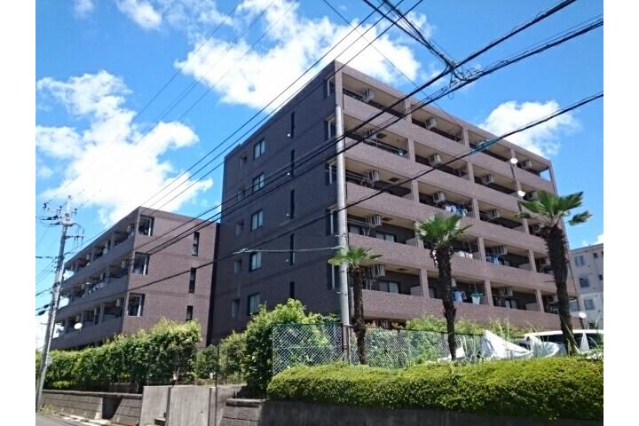 2LDK Apartment to Rent in Yokohama-shi Izumi-ku Exterior