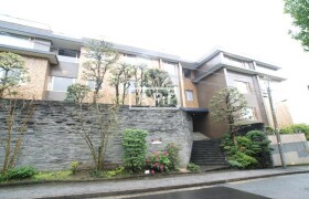 4SLDK Apartment in Minamiazabu - Minato-ku