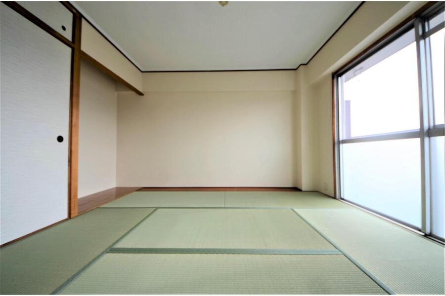 2LDK Apartment to Buy in Kyoto-shi Yamashina-ku Bedroom