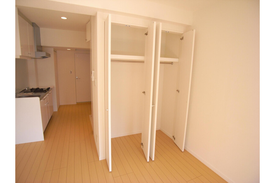 1R Apartment to Rent in Setagaya-ku Outside Space